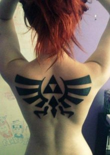 fcebb170457b4d9e8d72d423b7ae7be2-triforce-tattoo